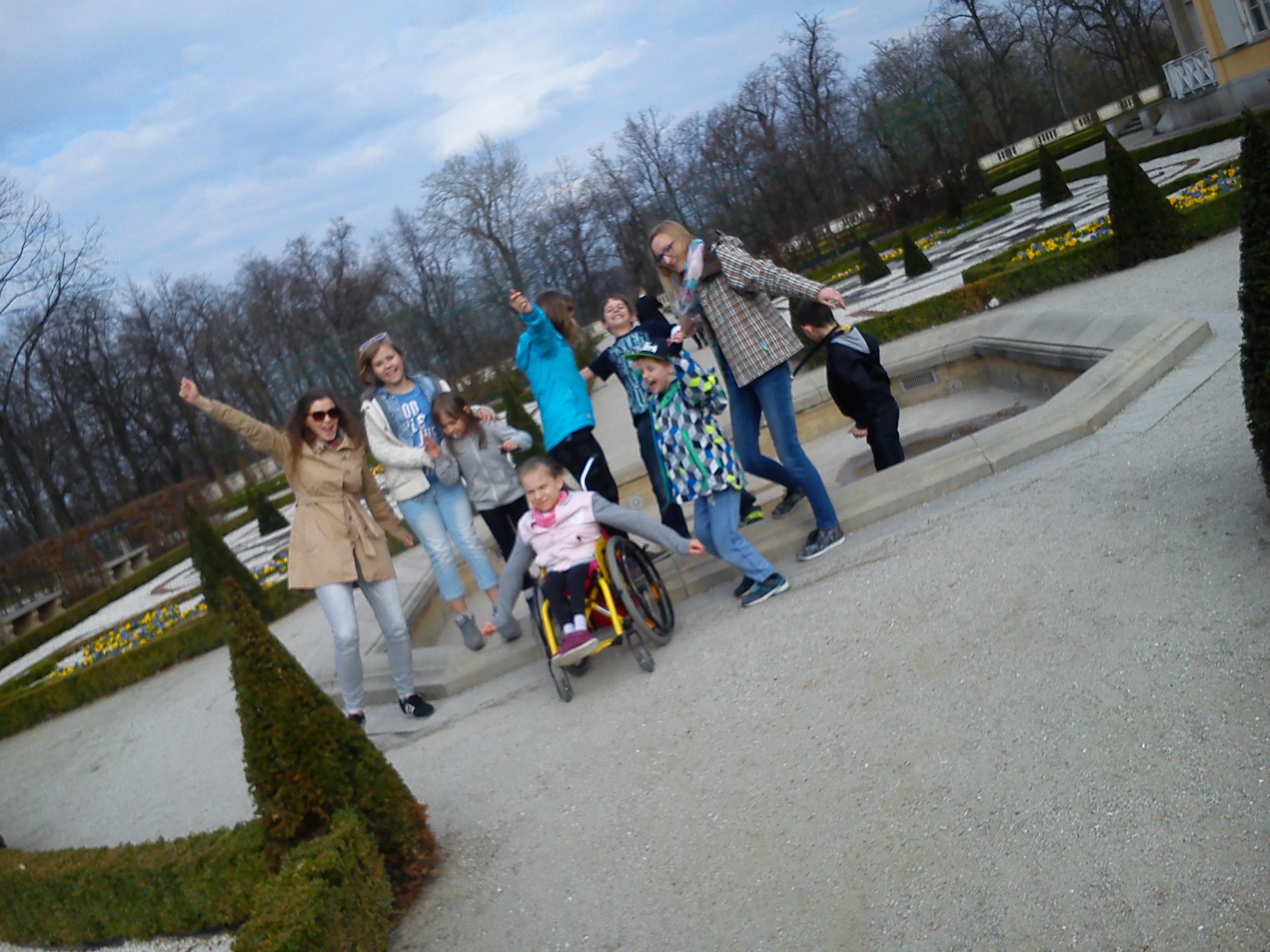 Spacery po pięknym ogrodzie przy Pałacu w Wilanowie